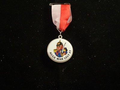 Medaille met licht Steketee